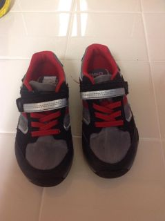 Stride Rite tennis shoes like new size 9.5