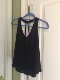 Black forever 21 strappy back top Size Small / no stains or tears