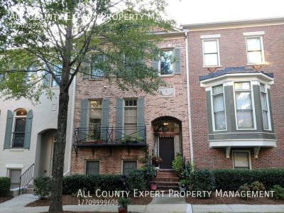 Outstanding Townhome in Gated Community!!
