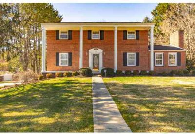408 Overbrook Drive Bristol Four BR, TOO BIG? 8 ROOMS!!