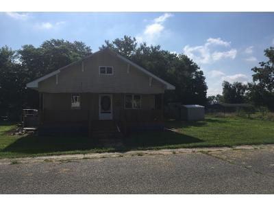 2 Bed 1 Bath Foreclosure Property in Bicknell, IN 47512 - Indiana St