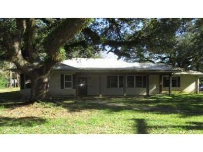 3 Bed 2 Bath Foreclosure Property in New Iberia, LA 70563 - Myrtle Oak Dr