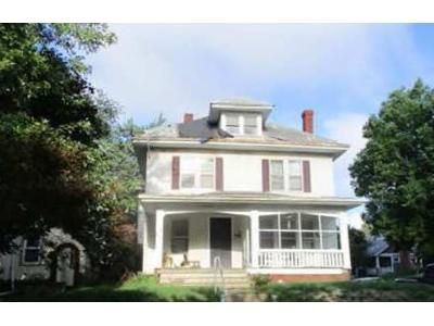 3 Bed 1.5 Bath Foreclosure Property in Saint Joseph, MO 64501 - N 24th St