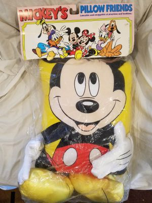 NEW - Vintage 80s Mickey Mouse 3-D Style Pillow