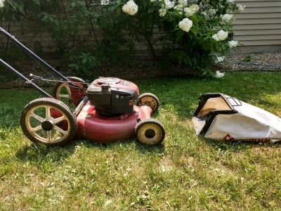 """Craftsman 21"""" lawn mower with bag"""