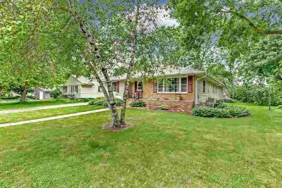 34 9th Avenue SE FARIBAULT Four BR, YOUR HAPPY PLACE!