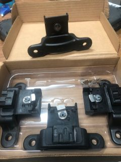 Ford box link cleats with key