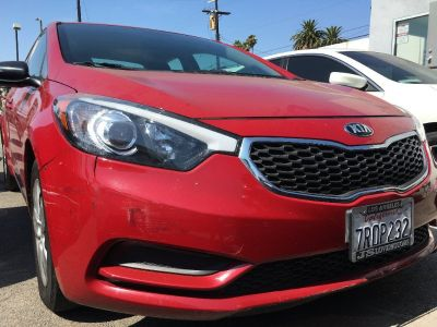 2016 KIA FORTE LX SEDAN! ONLY 32K MILES! EASY FINANCING! TEST DRIVE TODAY!