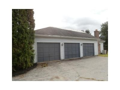 4 Bed 2.5 Bath Foreclosure Property in Mendon, NY 14506 - Chambord Dr