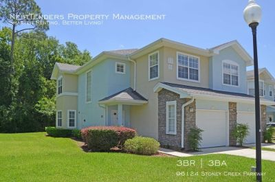 Beautiful End Unit Townhome in Fernandina Beach!