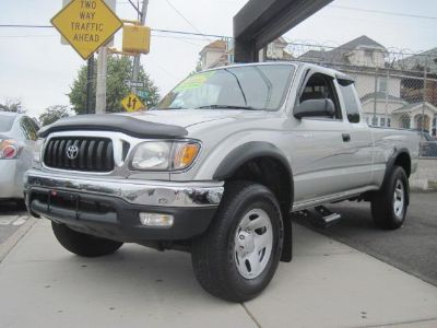 2003 Toyota Tacoma XtraCab Auto 4WD (Silver)