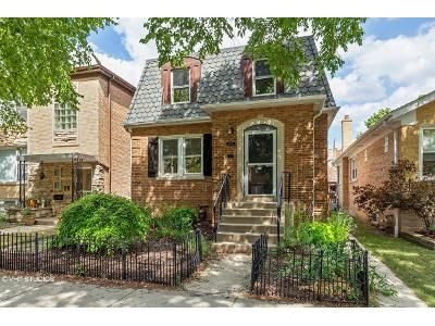 2 Bed 2 Bath Foreclosure Property in Chicago, IL 60646 - N Melvina Ave