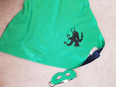 Kids reversible Cape with matching mask