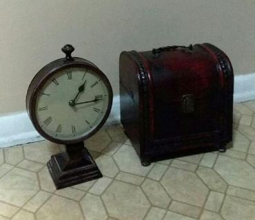 MATCHING/CLOCK & CHEST......EXCELLENT CONDITION