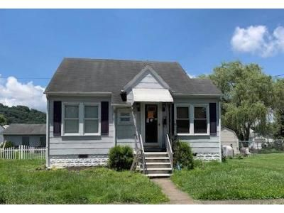 2 Bed 1 Bath Foreclosure Property in Dunbar, WV 25064 - 22nd St