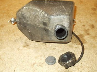 Sell FUEL TANK / GAS TANK AND CAP 2007 CHINESE QUAD PEACE TAO TAO REDCAT 110CC Z33 motorcycle in Bay City, Michigan, United States, for US $7.99