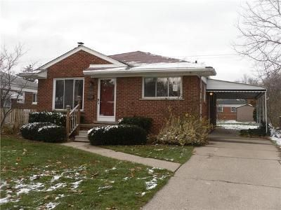 3 Bed 1 Bath Foreclosure Property in Saint Clair Shores, MI 48082 - Beverly St