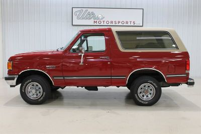 1989 Ford Bronco Custom (Red)