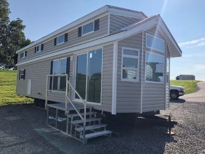 2019 Kropf LAKESIDE LE REAR LOFT 8056