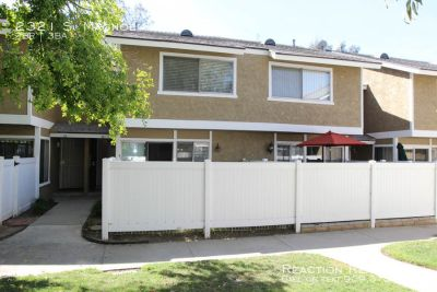 2/2.5 Townhouse located in the Magnolia Terrace Complex of Ontario!