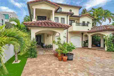 1625 NE 1st St Fort Lauderdale Three BR, Custom Luxury town home