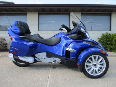 2013 Can-Am Spyder RT SE5 3 Wheel Motorcycle Winterset, IA