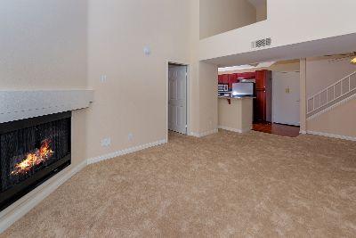 2 bedroom in Woodland Hills