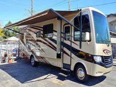 2014 Newman Bay Star 3308 Gas RV
