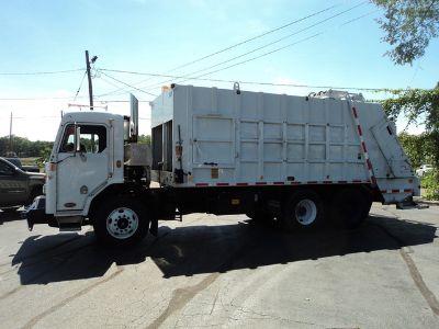 2011 Peterbilt COE 320 Garbage Truck
