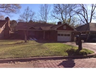 3 Bed 3 Bath Preforeclosure Property in Ridgeland, MS 39157 - Cottonwood Dr