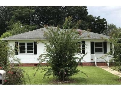3 Bed 1 Bath Foreclosure Property in Cantonment, FL 32533 - Coulter Ave