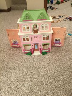 Loving family dollhouse & accessories