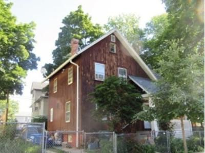 3 Bed 2 Bath Foreclosure Property in Springfield, MA 01105 - Newman St