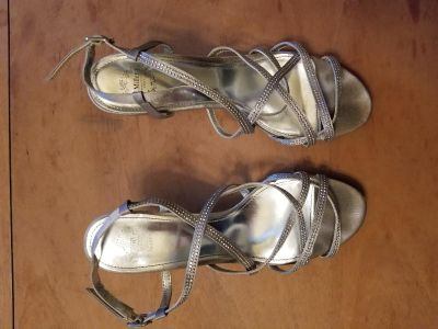 Silver heels with sparkles, Size 8 1/2