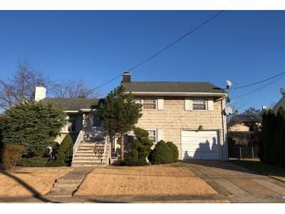 4 Bed 2 Bath Preforeclosure Property in Fords, NJ 08863 - Tracy Dr