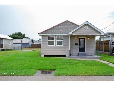 3 Bed 2 Bath Foreclosure Property in Harvey, LA 70058 - 5th Ave