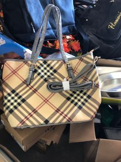 Burberry purse new never used