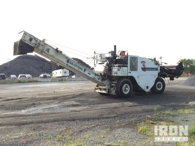 2006 Roadtec SB-2500D Asphalt Transfer Machine