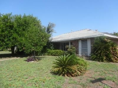 3 Bed 2 Bath Foreclosure Property in Galveston, TX 77551 - Rosewood Dr