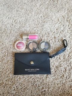Makeup Eyeshadow Bundle and Pouch