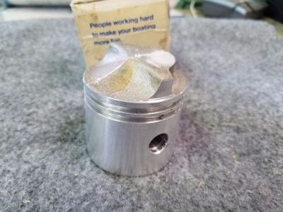 Sell NOS OEM Vintage OMC/Johnson/Evinrude Piston, Pt #: 319998 motorcycle in Scottsville, Kentucky, United States, for US $12.50