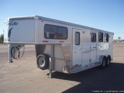 2008 Silverlite 3 Horse trailer with front tack