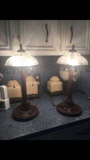 """Set of lamps about 20"""" tall in great condition bought these but didn't match my decor"""
