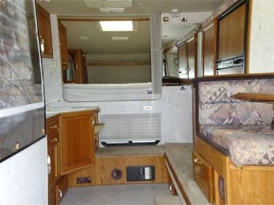 2003 Arctic Fox 1130 Single Slide Truck Camper