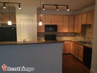 $755, 1br, Available 12/13/2017 Highland Heights Stunning 1 bd/1.0 ba Apartment