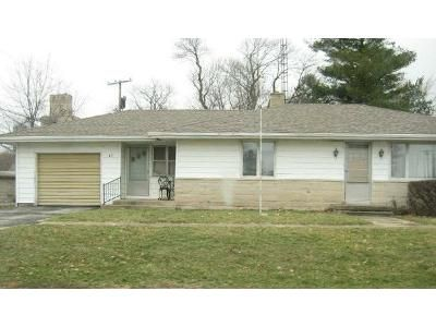 3 Bed 1 Bath Foreclosure Property in Weldon, IL 61882 - Ash St