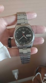 Vintage Seiko mechanical watch/ No 2 and Francis
