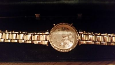 Pretty Rose Gold Colored Woman's Watch!