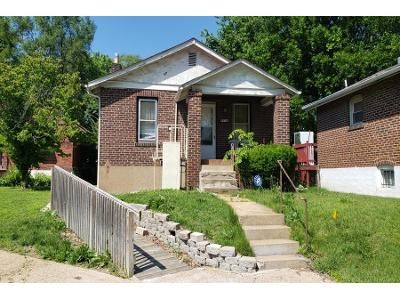2 Bed 1 Bath Foreclosure Property in Saint Louis, MO 63147 - Lowell St