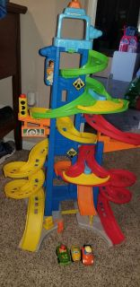 Little People Tall Race Track with Cars